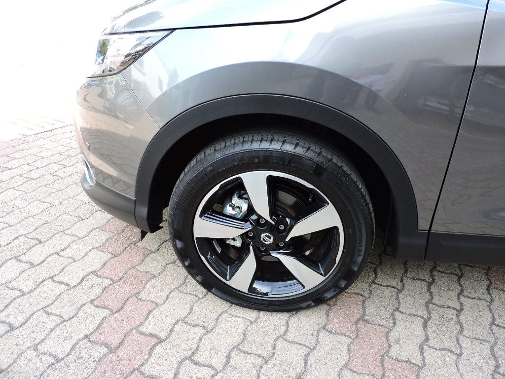NISSAN Qashqai 1.6 dCi 4WD N-Connecta